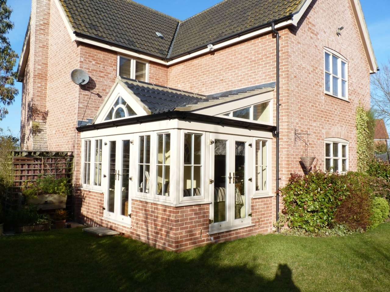 Characterful T-Gable Garden Room
